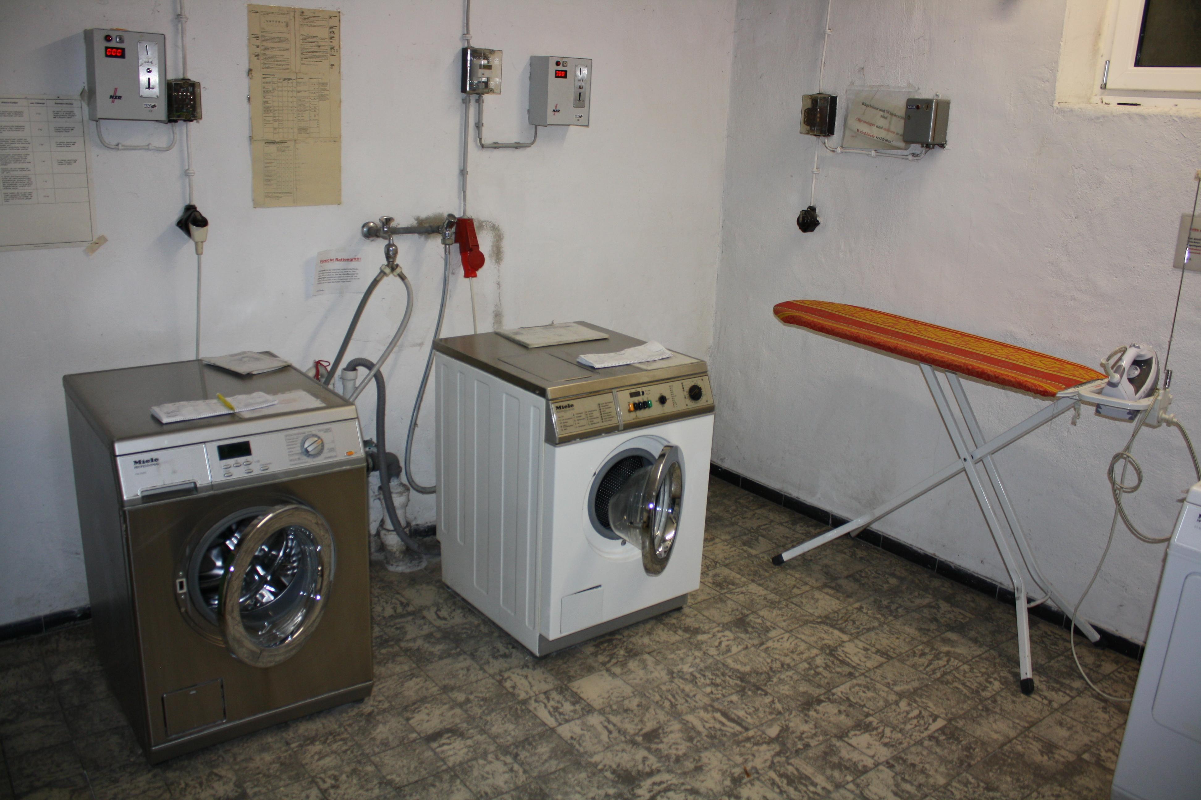waschkeller karl heim haus. Black Bedroom Furniture Sets. Home Design Ideas